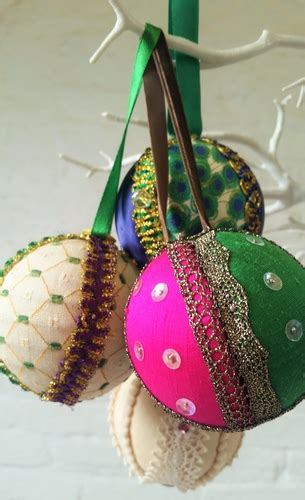 Handmade Baubles - handmade baubles on 02 12 2016 lechlade craft