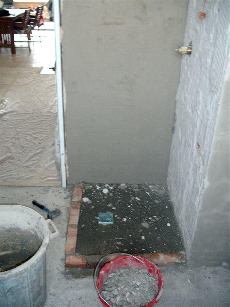 piatto doccia in opera foto creazione di piatto doccia in muratura in fase d