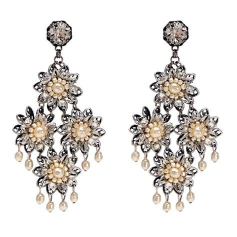 how to do earrings from chandelier earrings hypoallergenic earrings