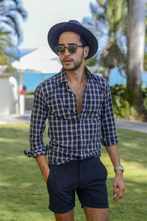 Of The Blogs Silver Plaid And The Wears Prada by S Navy And White Plaid Sleeve Shirt Navy Shorts