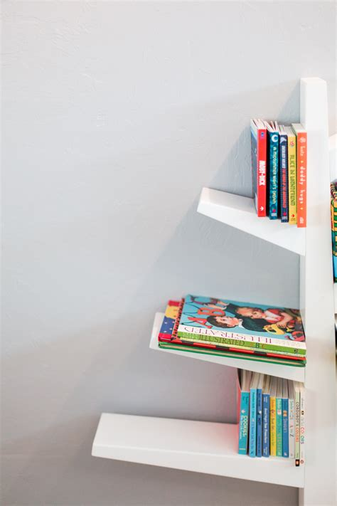 white nursery bookshelf 28 images 17 best ideas about