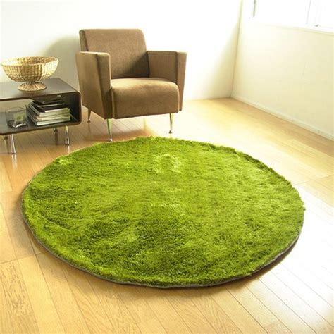 grass looking rug grass rug a rug that looks like it s made from grass hint it s not