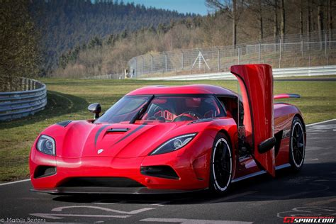 red koenigsegg agera r koenigsegg agera r red www imgkid com the image kid