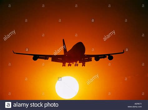 Boeing Background Check Boeing 747 400 Aircraft Is Aprorching To Land The Sunset