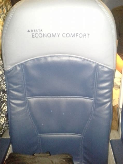 delta crj 900 economy comfort delta economy comfort review pat s travel reviews