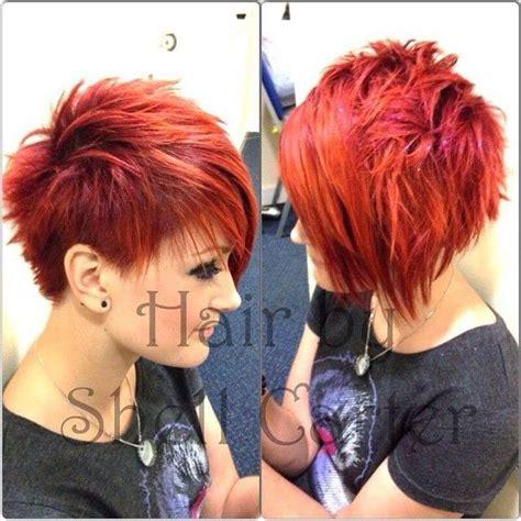 auffaellige kurzhaarfrisuren fuer frauen mit roten haaren
