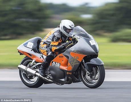 Trial Motorrad Wheelie by New World Wheelie Ch Reaches 197mph Motorbike Writer