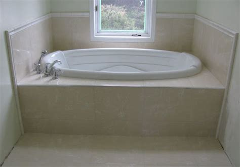 width of a bathtub dimensions of a jacuzzi tub dimensions info