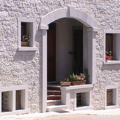 come rivestire un muro interno prezzi e guida per rivestire una facciata con pietra