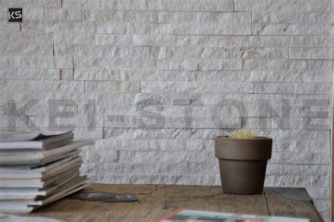 parement mural en pierres naturelles blanches mica blanc
