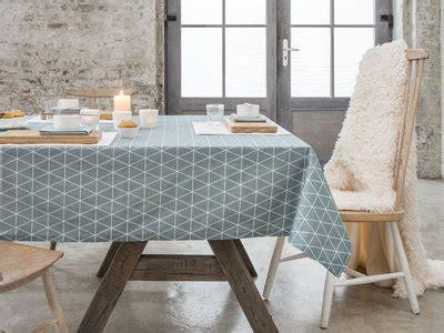 Charmant Set De Table Vintage #2: LLT8446074-0403-0300-p00-nappe-rectangulaire-cotonpolyester-teflon-antitache-triangle-scandinave-fika.jpg