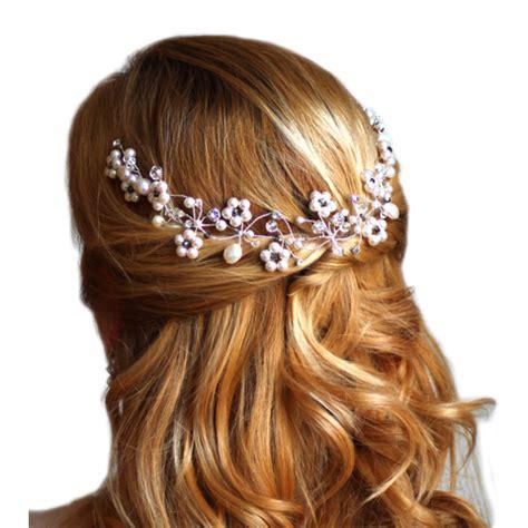 model rambut vintage hellozebro gaya rambut vintage dengan bunga