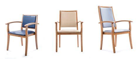 chaise accoudoir personne agee no 235 l chaise avec accoudoir pour personne ag 233 e table et