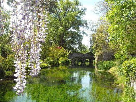 i letti piã belli mondo il giardino di ninfa a cisterna di