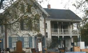 haunted houses in iowa sherri meeker house iowa woman buys real life haunted mansion and moves it across