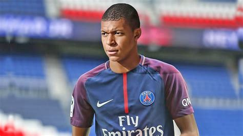 kylian mbappe youtube kylian mbappe player for psg official youtube