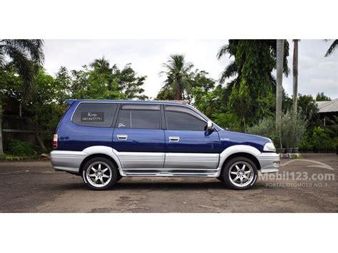 Kijang Ada 2 Warna Fit L Cc jual mobil toyota kijang 2002 krista 2 0 di banten