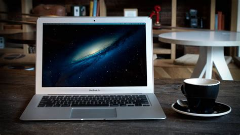 Tech Mba Review by Apple S Macbook Air Is Now Faster And 100 Cheaper The Verge