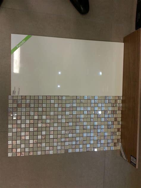 azulejo que imita pastilha de vidro banheiro piso porcelanato no ch 227 o que imita madeira e na
