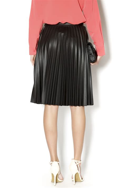 sam fashion pleather pleated skirt from new york by s