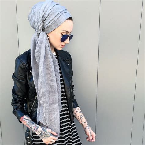can muslims get tattoos kendyl noor is a fully tattooed scarf wearing