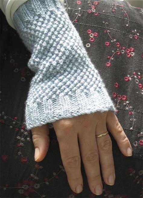 knitting pattern wrist warmers wrist warmers free pattern knitting pinterest wrist