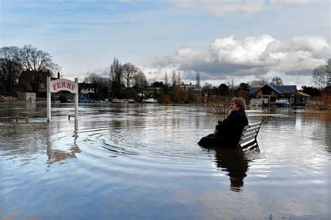 thames river disaster river thames bursts banks flooding homes near london wsj