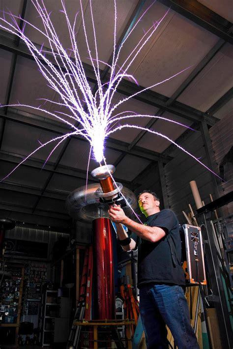 tesla gun diy tesla gun can shoot 100 000 volts of electricity 24