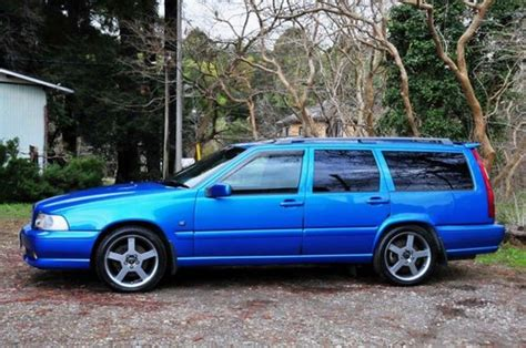 volvo vr awd lazer blue miles   sold car  classic