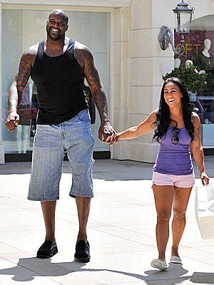 "shaquille o'neal dates nicole ""hoopz"" alexander 