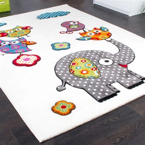 tapis chambre d enfant tapis chambre d enfant adorable monde el 233 phant amis