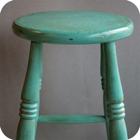 Painted Wooden Stools by Best 25 Provence Chalk Paint Ideas On Chalk