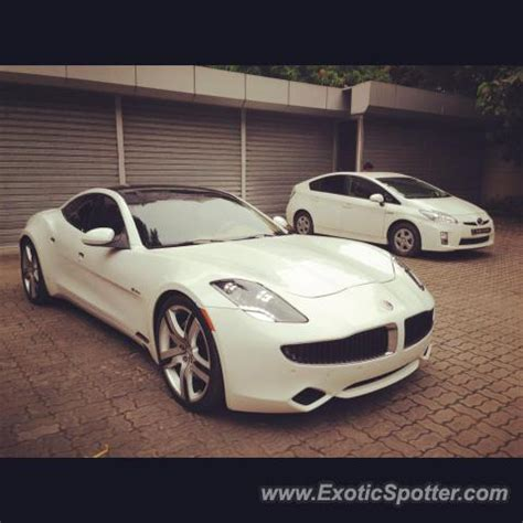 roll royce dhaka fisker karma spotted in dhaka bangladesh on 09 28 2012