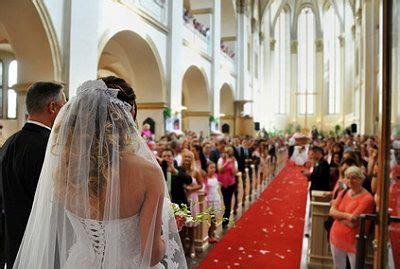 hochzeit kirche kirchliche trauung ablauf unterlagen und mehr