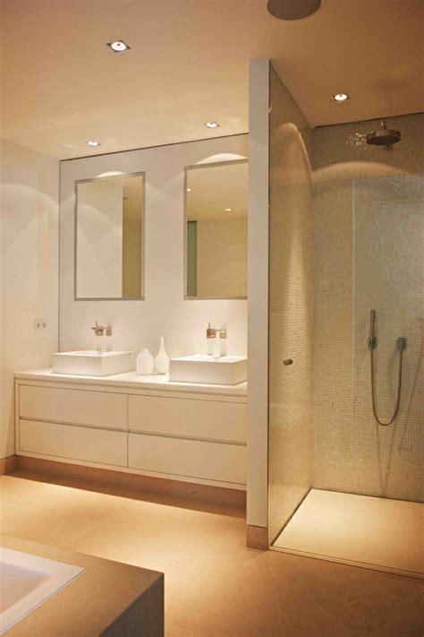 agréable Leroy Merlin Mosaique Salle De Bain #2: 1-faience-salle-de-bain-leroy-merlin-mosaique-beige-pour-les-murs-dans-la-salle-de-bain.jpg