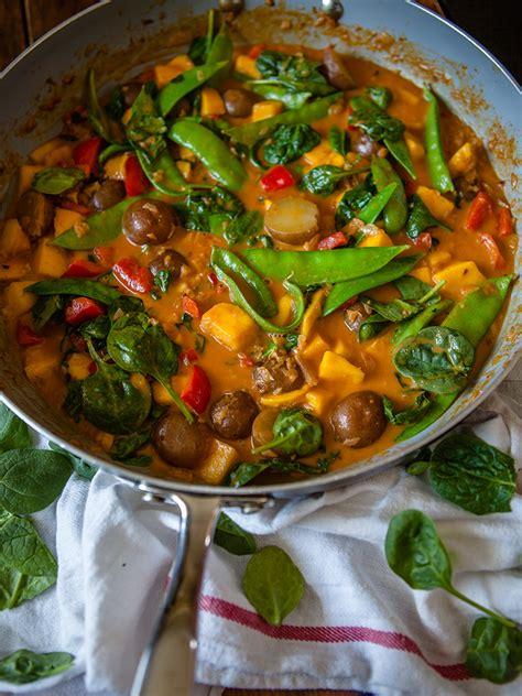 vegan mango vegetable curry healthy food