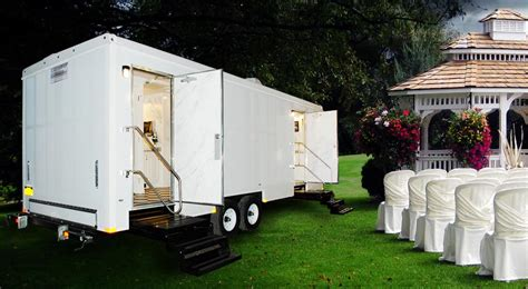 portable bathrooms for weddings portable toilet recommendations for weddings callahead 1