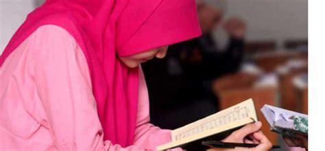 Bolehkah Wanita Datang Bulan Membaca Alquran Bolehkah Wanita Haid Membaca Al Quran Ruang Muslimah