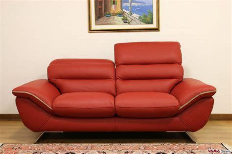 divano pelle rosso divano moderno bianco in pelle con piedini in acciaio