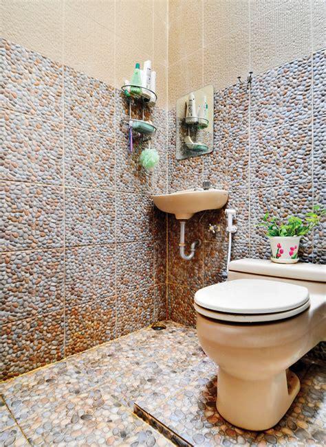 model keramik kamar mandi batu alam  desain rumah minimalis