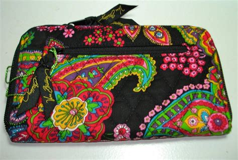 free pattern for zip around wallet vera bradley zip around wallet your choice of pattern