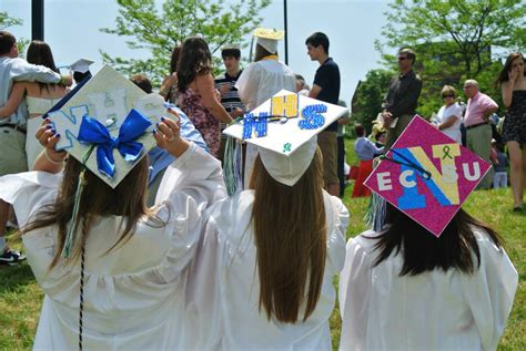How To Decorate Cap And Gown by Graduation Cap Decorations A Pre Grad Gathering Church
