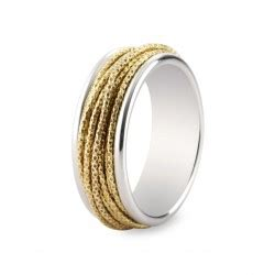 cadena de plata se hace negra anillo de plata dorada y detalles en plata negra carlota