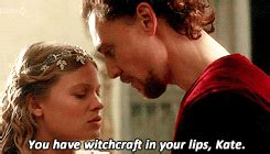 melanie thierry hollow crown tom hiddleston henry v gif hiddles the hollow crown 1000