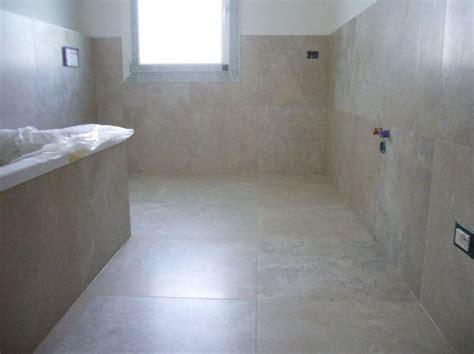 come piastrellare un bagno moderno oltre 10 fantastiche idee su bagno marrone su