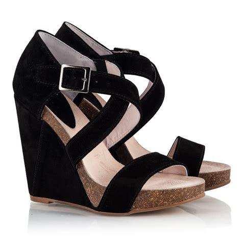 black platform sandals black high wedge sandals