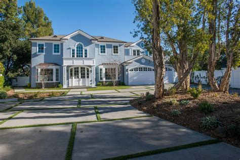 Luxury Homes For Sale In Encino Ca Magnificent Estate With Uncompromised Luxury California Luxury Homes Mansions For Sale