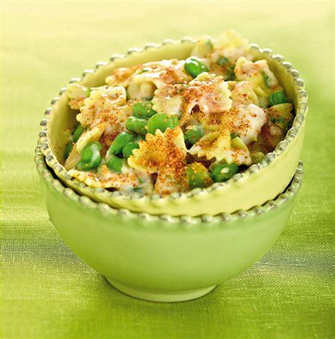 cucinare fave fresche farfalle con fave fresche e salsa al basilico cucina