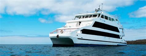 galapagos catamaran charter queen of galapagos charters luxury catamaran family