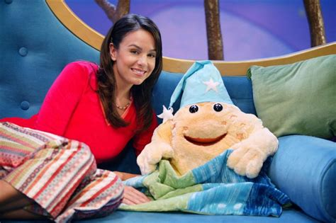 Nurina Syari you wondered about the sand on the goodnight show